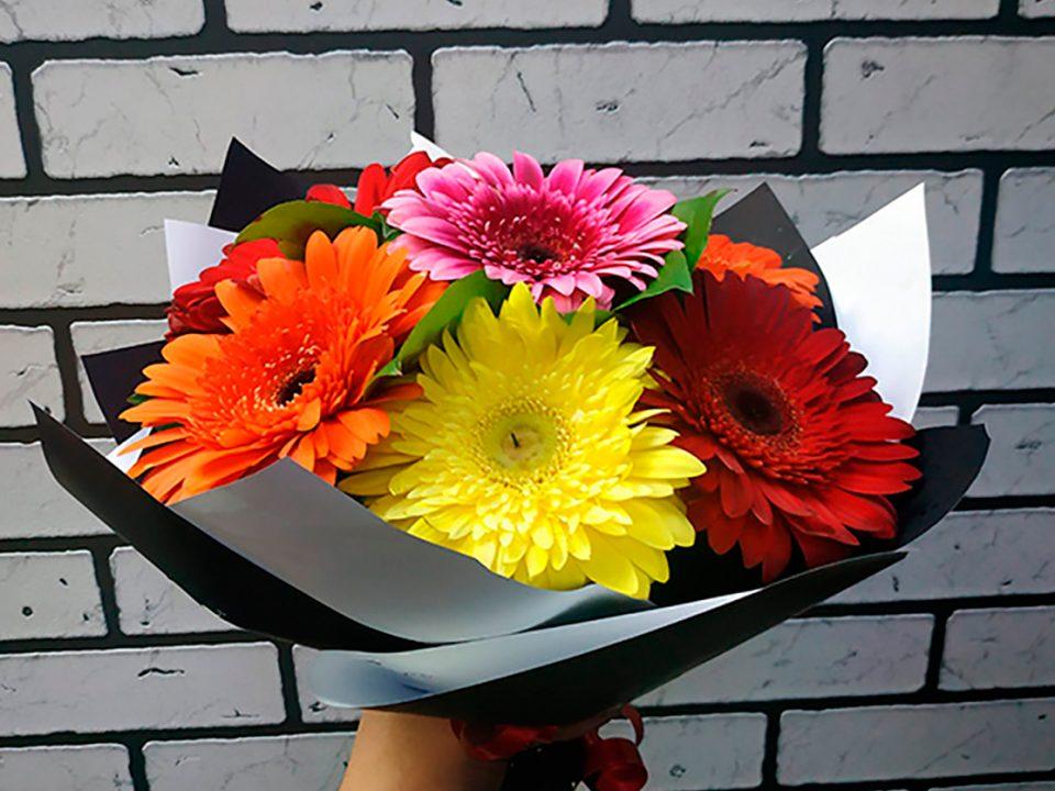 Многочисленные преимущества доставки цветов